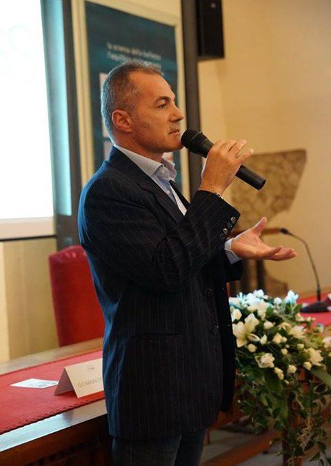 Il prof. Achille Carosi, Kinesiologo – Riflessologo – Posturologo, certificato p…