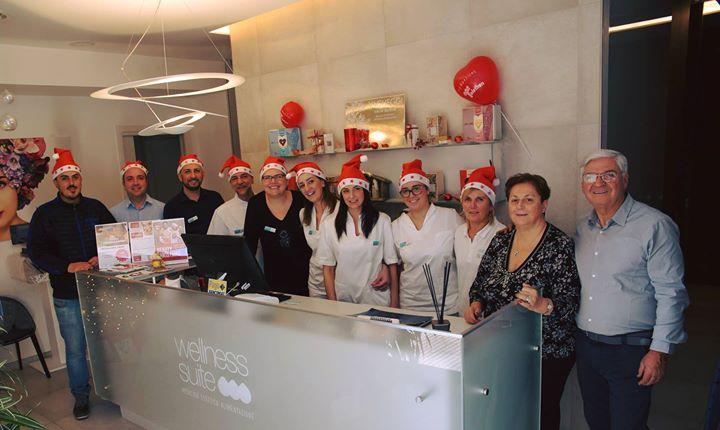 Stay Wellness at Christmas!!! La famiglia Fidaleo e lo staff di Wellness Suite V…