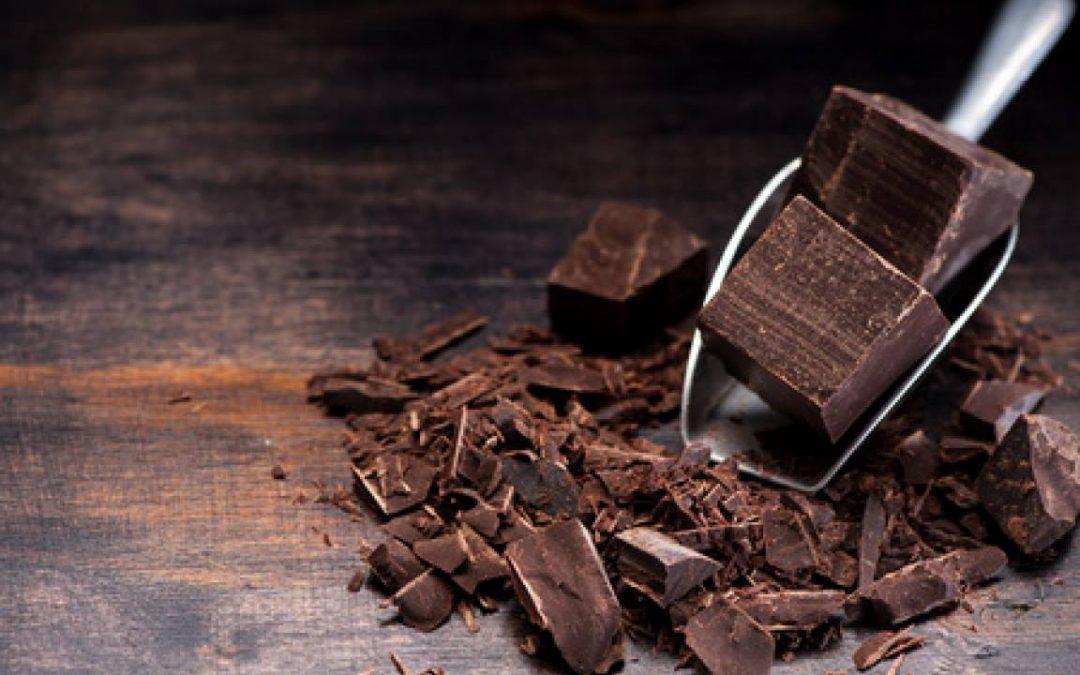Il cioccolato non solo è buono, ma fa anche bene alla salute. Ecco dieci buone r…