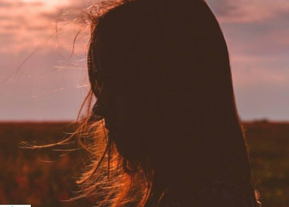 """LIFE STYLE  """"Quando diventa più difficile soffrire che cambiare… cambierai.""""  (R…"""